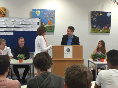 Begrüßung von Frau Dreyer im Schlopolis-Parlament